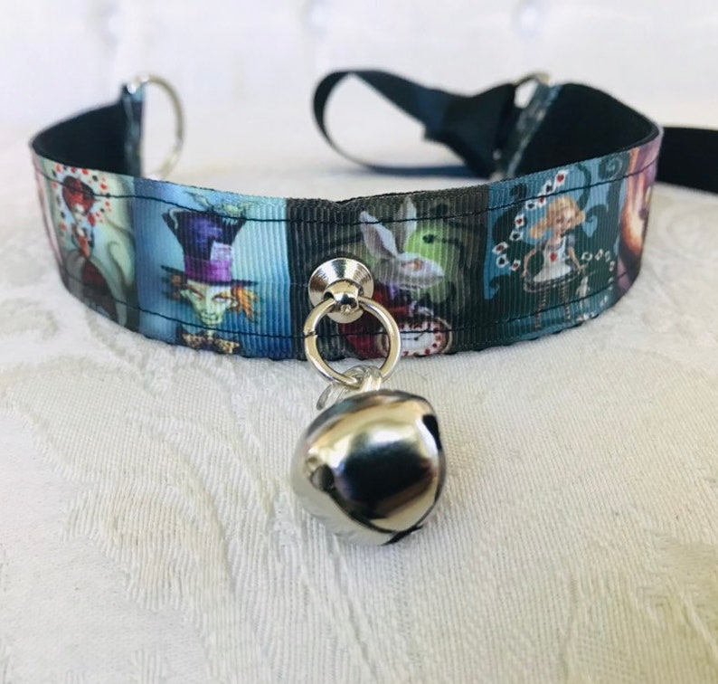 Alice in Wonderland kitten play collar 13 inches