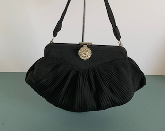 0ec3ab357e6e1 Vintage Black Handbag Evening Bag Salisbury In Crepe Fabric Paste Clasp
