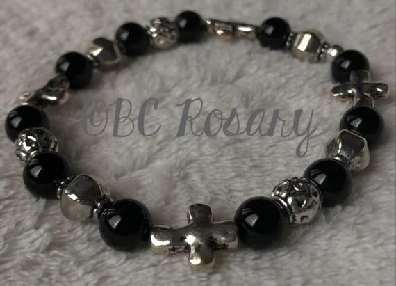 Hammered  Silver Cross Onyx Stretch Bracelet