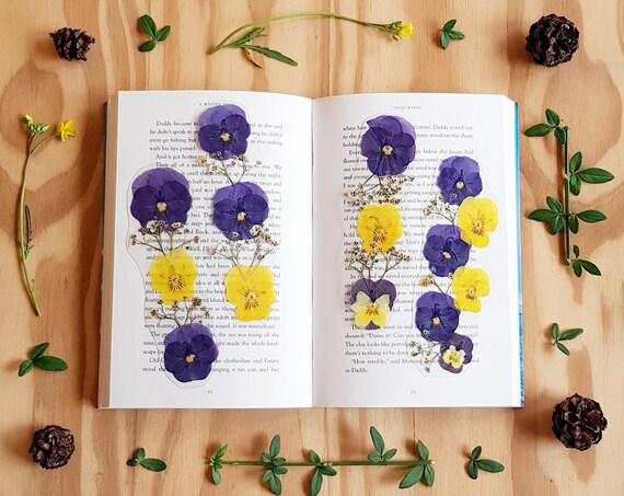 Bookmarks for books, book lover gift, Gift for Friend, Teacher Gifts, Bookmark book, Flower Bookmark, natural flower bookmark, secret santa