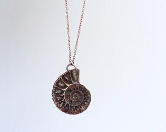 Ammonite fossil necklace | Fossil men's jewelry | Raw organic fossil necklace | Ammonite fossil pendant | Fossilized Ammonite pendant