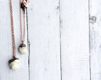 Howlite necklace | Howlite crystal necklace | Raw Howlite pendant on copper chain | Rough Howlite crystal pendant | Electroformed Howlite