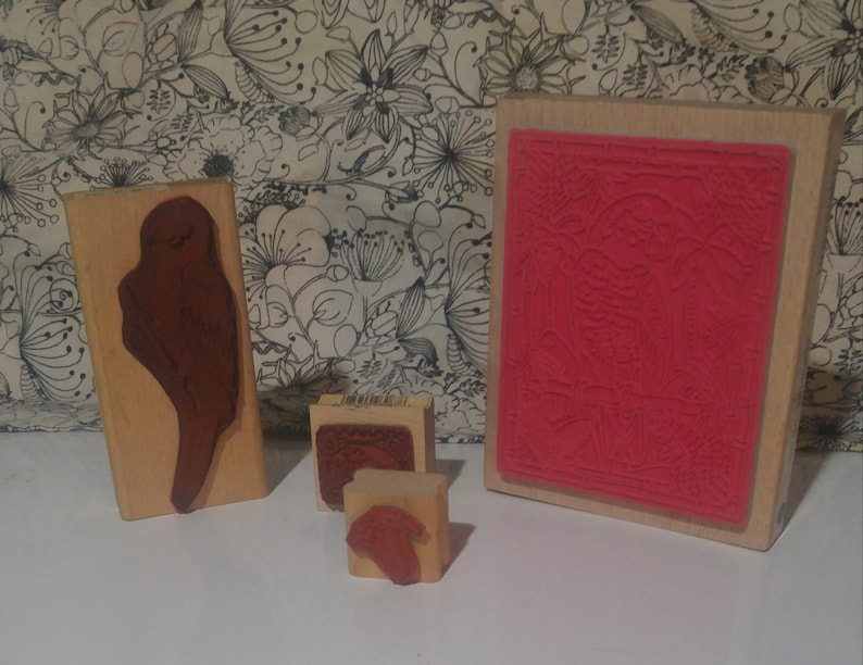 4 Stunning Bird Wood Mounted Rubber Stamps extra large Parrots Crane vintage crafts