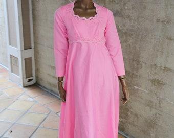 b7f131e690 Long Pink 1960s Vintage Dress