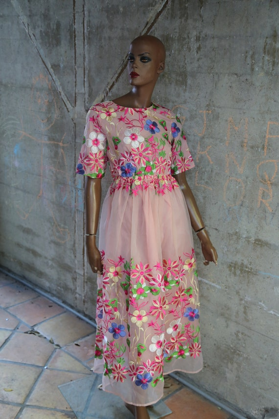 Pretty Floral Boho Dress Embroidered 1990s