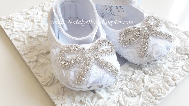 8e44f1a3b1c9b3 White Satin baby shoes White ballerina shoes Baby Wedding