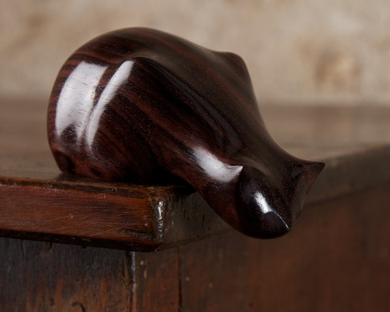 Wooden Peeping Tom Cat Sculpture Carved From Genuine Indian Rosewood by Perry Lancaster, Cat Figurine Statue