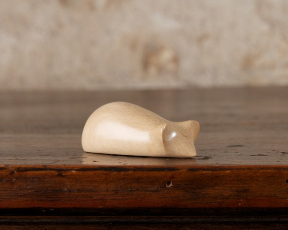 Tiny Wooden 2-way White Mouse, Carved From Holly Wood by Perry Lancaster (imperfect)