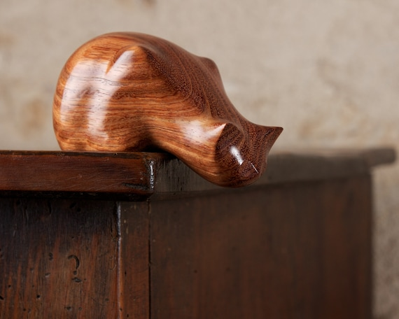 Wooden Peeping Tom Cat Sculpture Carved From Andaman Padauk Wood by Perry Lancaster, Padouk Pterocarpus dalbergioides Statue, Imperfect