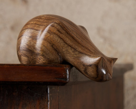 Wooden Peeping Tom Cat Sculpture Carved From Amazaque Ovangkol Wood by Perry Lancaster, Handmade Original Cat Ornament Figurine Statue