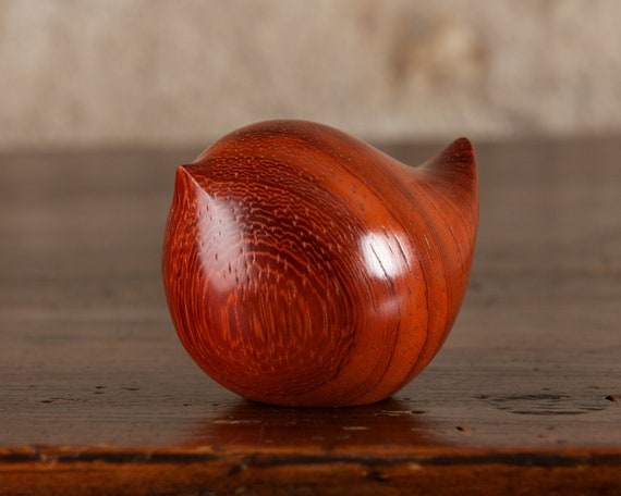 Fat Wooden Wren Carving, Hand Carved From Padauk Wood by Perry Lancaster, Fat Round Bird Sculpture