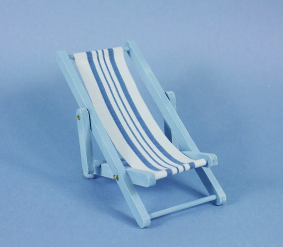 1:12 Scale Dollhouse Miniature White and Blue Beach Chair