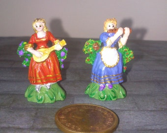 12th Scale dolls house 2 Lady Musicians figurines