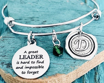 A great leader, is hard to find and, impossible to forget, Cubs, Adventure, Leader Gift, Outdoor, Silver Bracelet, Charm Bracelet, Gifts for