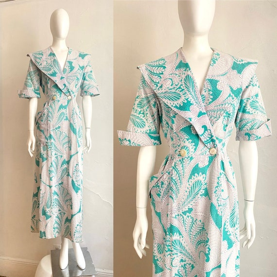 Late 1930s Floral Hostess Gown  Bust  Bold Flower Print Early 1940s Puffed Shoulders Sleeves Zip Front Bonnie Bright