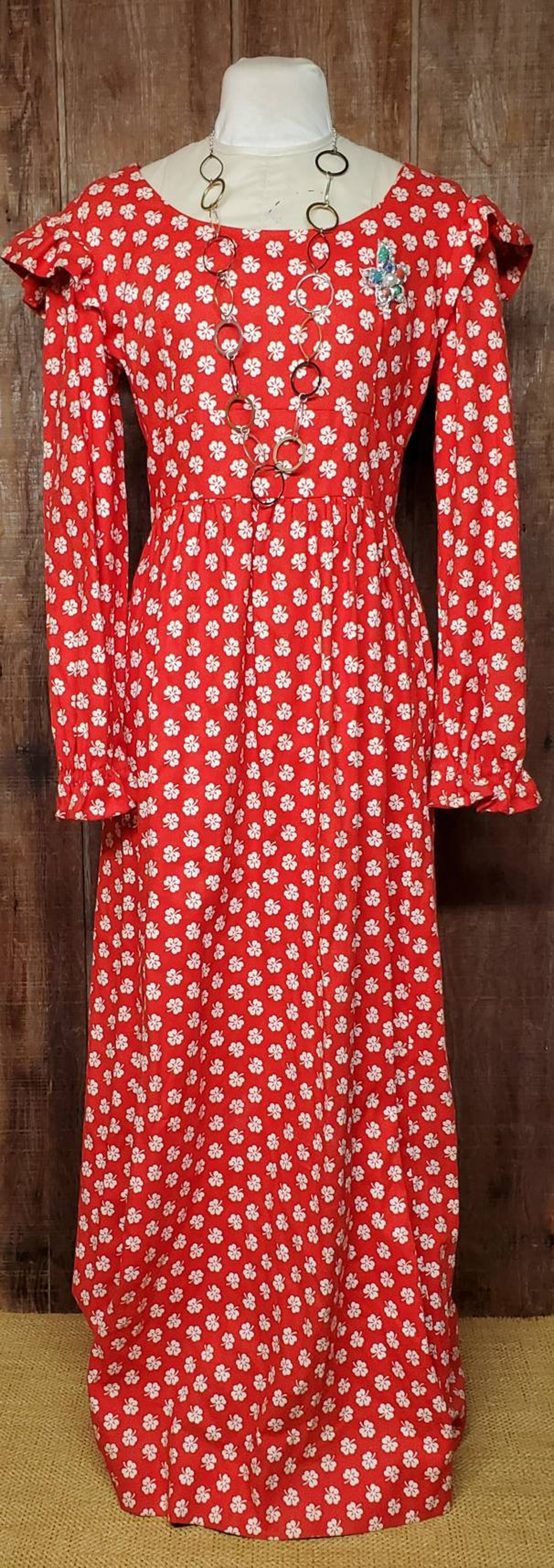 Funky 1970s Red and White Dress