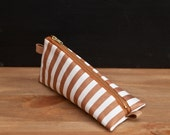 Heimarbeit- Design pencil case -stripe pattern