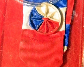 Ministere Du Travail Silver Gilt French Long Service Medal 1977