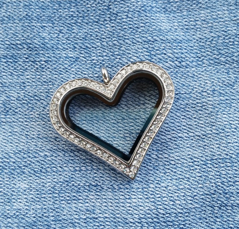 30mm Stainless Steel Locket Silver Crystal Heart chain not image 0