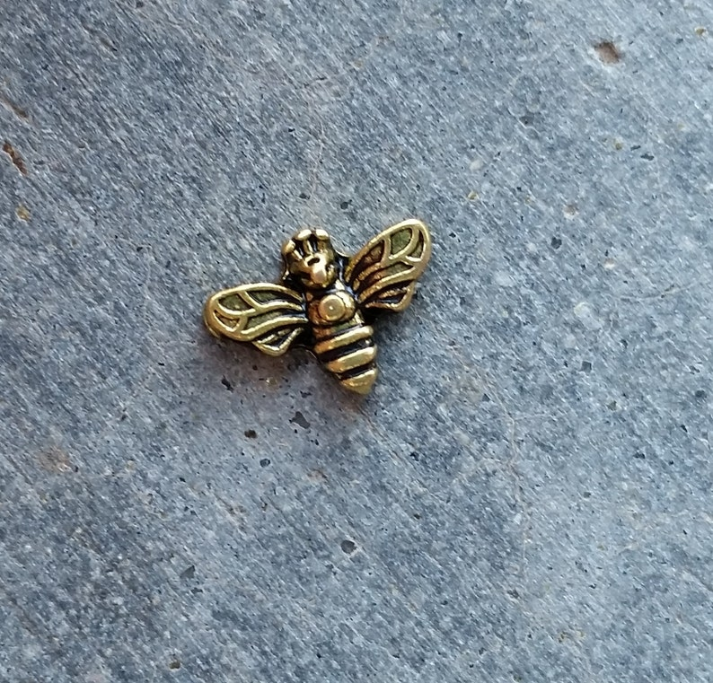 Floating Charm For Glass Memory Lockets Gold Bee image 0