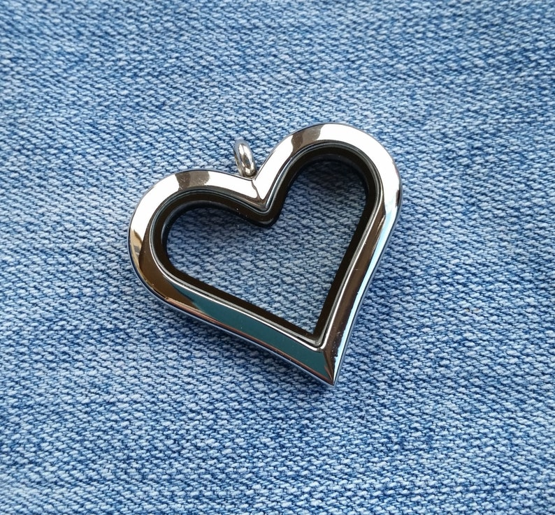 30mm Stainless Steel Locket Silver Plain Heart chain not image 0