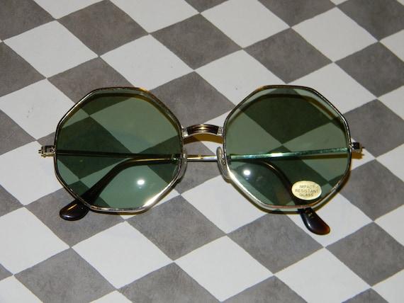 f860f93aef9 Cool Vintage Octagon Sunglasses for Retro Eyewear Fans Large