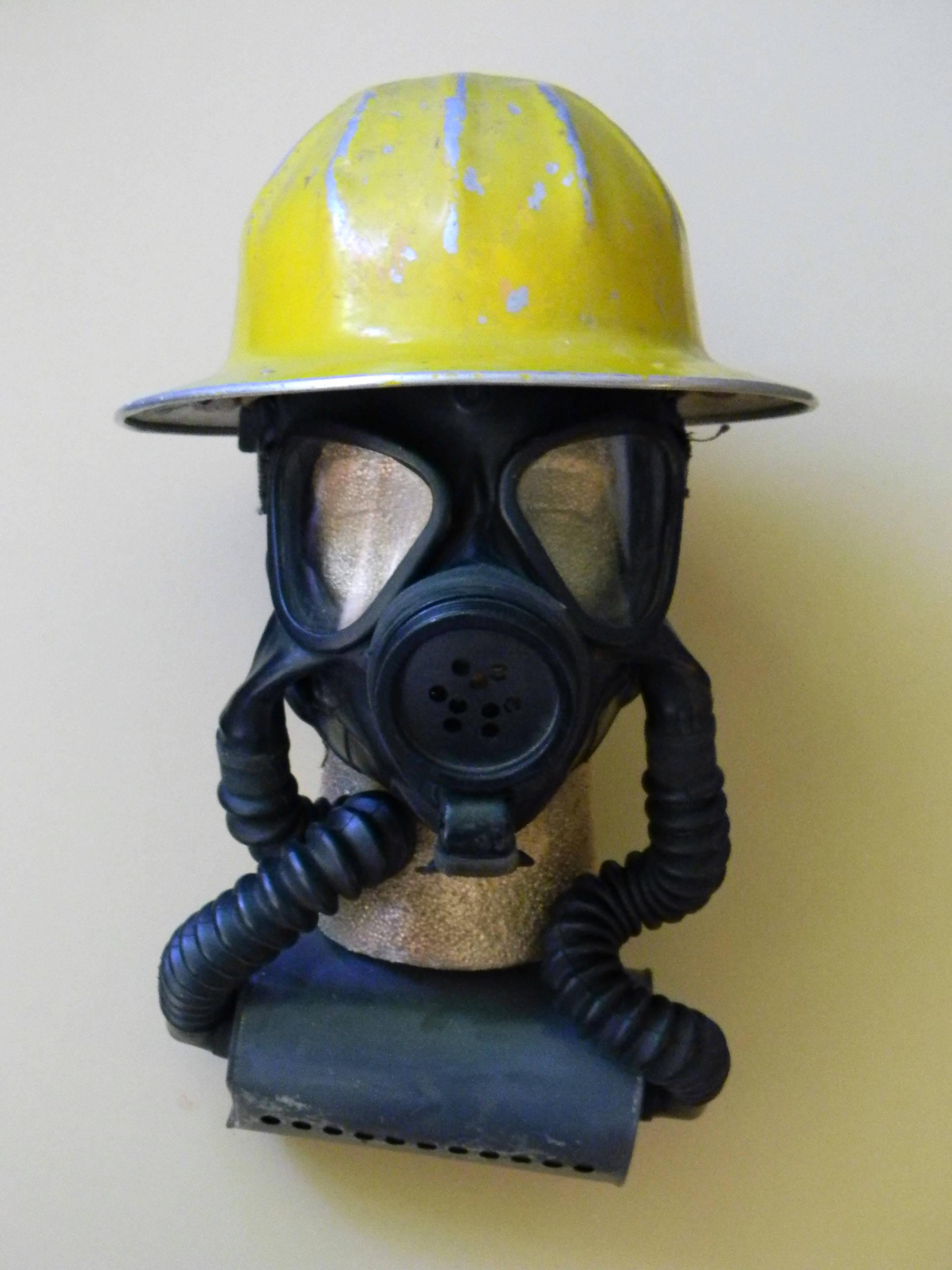 Accessoires de costumes ultime Vintage Zombie Apocalypse: Casque métal archaïque masque. et respirateur Vintage gaz masque. archaïque Costume steampunk Apocalypse. 79378e