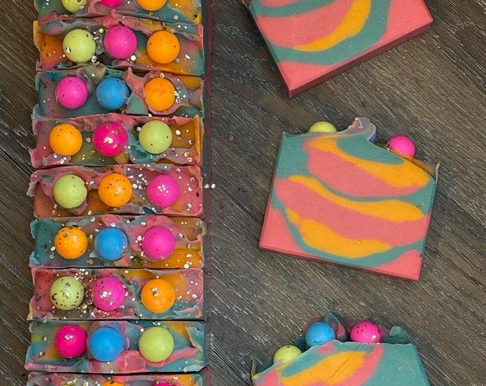 Bubble Gum Soap  *  Bazooka Bubble Gum Scent  *  Moisturizing  *  Fruity Fun Scent  *  Goat Milk  *  Great Gifts  *  NEW LARGER SIZE