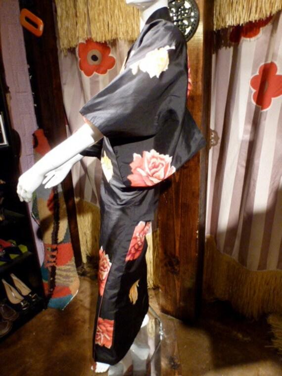 Kimono 1940 Silk Woven Flowers Japan Romance Music