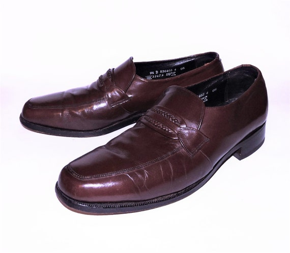 Vintage 1970s Florsheim Men's Brown Leather Loafer Shoes with Braided Leather Detail Size 9.5 D