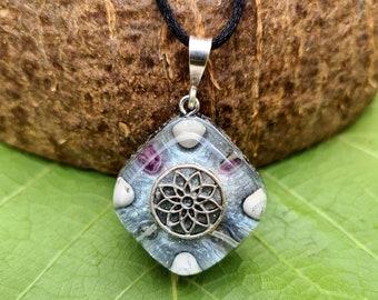 Mandala Orgone Pendant w/ Fluorite and Howlite - Crown Chakra Crystal Spiritual Jewellery - Empath Protection Necklace - Small
