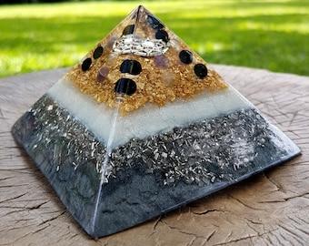 PROTECTION Orgone Pyramid – Fluorite, Amethyst and Onyx – Protection, Grounding, Aura Balancing  - Empath Healing Spiritual Gift