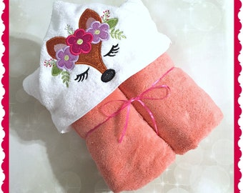 Hooded Towel - Fox Towel - Fox hooded towel - Fox Bath Towel - Fox beach Towel - Kids Hooded Towel- Personalized Towel - Monogram Towel