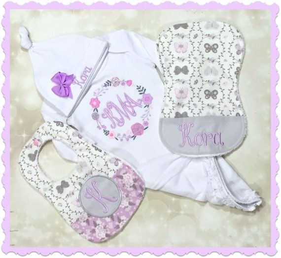 GIRL Gift Embroidered for Baby/'s Naming Ceremony Personalised Baby Bib