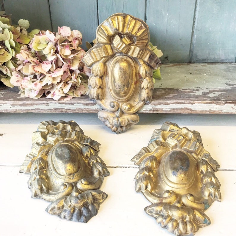 A french metal antique finial image 0
