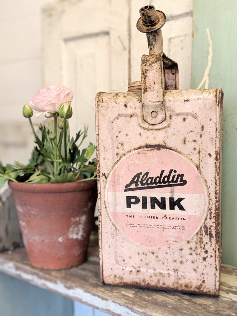A fabulous vintage Aladdin Pink Paraffin can image 0