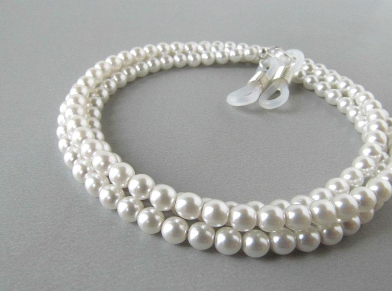 e0ad42b2a83f Pearl Eyeglass Chain Womens Eyeglass Holders Necklaces