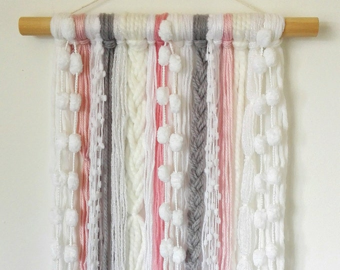 Boho Yarn Wall Hanging/Wall Decor/Boho Girl/Dorm Decor/Decor/Tapestry/Housewarming/Beach House Decor/Room Decor/Wall Hanging