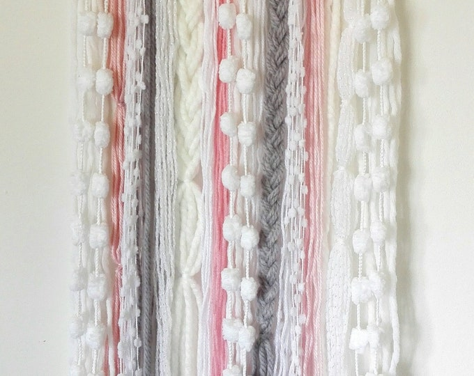 Boho Yarn Wall Hanging/Wall Decor/Boho Girl/Dorm Decor/Decor/Tapestry/Housewarming/Beach House Decor/Room Decor/Wall Hanging