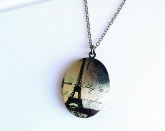 Eiffel Tower with Postcard Detail Picture Locket Necklace/Antique Bronze Locket with detailed Photo of Eiffel Tower with Postcard Details