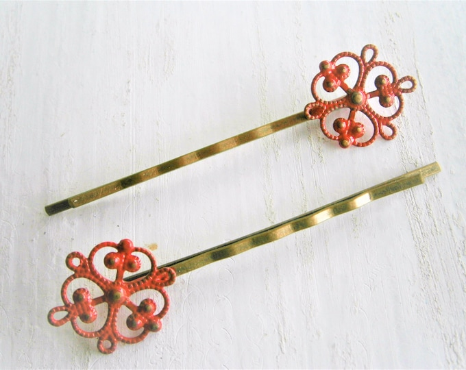 Red Filigree Patina Antique Bronze Bobby Pins Set of Two/Hair Clips/Bohemian Hair Clips/Shabby Chic Hair Clips/Bobby Pins