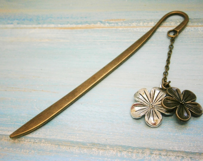 Bookmark with a Antique Bronze Flower and a Antique Silver Flower/Book Lover Bookmark/Flower Bookmark/Bookmarks for Books/Floral Bookmark