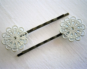 Cream Patina Large Filigree Daisy Antique Bronze Bobby Pins Set of 2/Hair Clips/Bohemian Hair Clips/Shabby Chic Hair Clips/Rustic Wedding