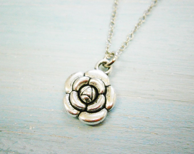 Antique Silver Flower Charm Necklace/Boho Necklace/Boho Necklace/Nature Necklace