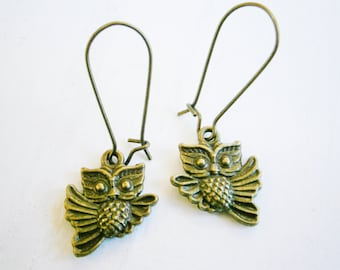 Antique Bronze Owl On Antique Bronze Kidney Wire Earring Hooks/Dangle Earrings/Boho Jewelry/Woodland Jewelry/Nature Inspired