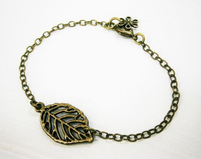 Antique Bronze Filigree Leaf Bracelet/Boho Bracelet/Nature Jewelry/Woodland Jewelry/Bridesmaid Bracelet/Leaf Bracelet/Garden Bracelet