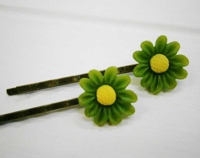 Olive Green Daisy Hair Clips/Green Flower Hair Clips /Hair Accessories/Antique Bronze Hair Clips 50mm long with 16mm Resin Green Flowers.