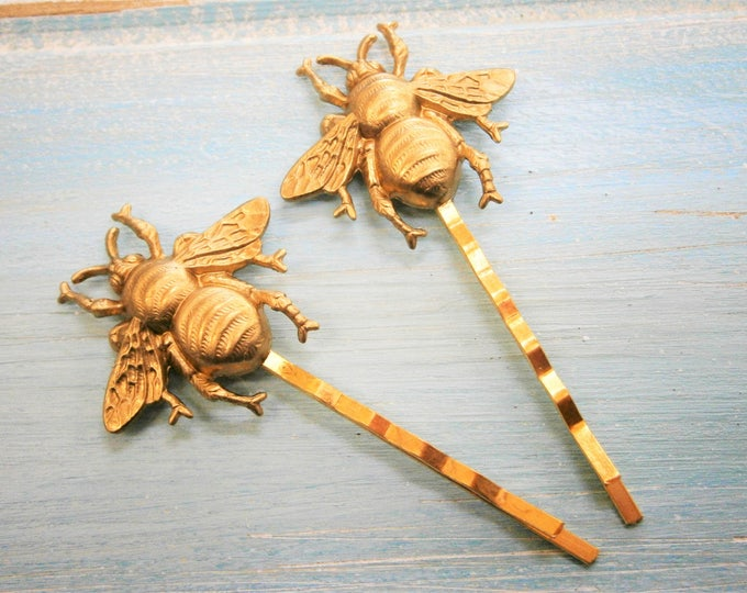 Bee Hair Pin Gold, Bumble Bee Bobby Pins, Bee Hair Clip, Bumble Bee Hair Pins, Bee Hair Clips, Woodland Hair Clip, Wedding Hair Accessories