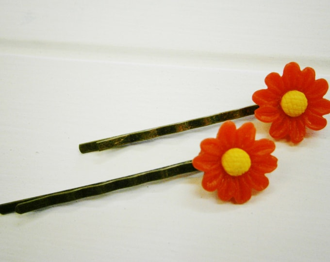 Red Daisy Hair Clips/Red Flower Hair Clips /Hair Accessories/Antique Bronze Hair Clips 50mm long with 16mm Resin Red Flowers.