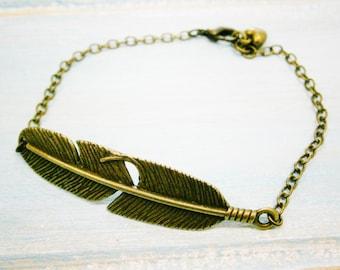 Antique Bronze Feather Bracelet/Boho Bracelet/Nature Inspired Bracelet/Woodland Jewelry/Bridesmaid Bracelet/Feather Bracelet/Bird Bracelet
